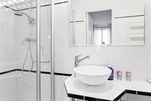 Holiday rental in beautiful, modern furnished studio apartment, short-term rental, Oberkampf, Paris 2nd