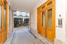 Spacious, furnished studio apartment for short-term accommodation, sleeps 2 at Oberkampf, Paris 2nd