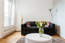 Weekly rental, 4-person furnished apartment with fold-out couch in living room in Montmartre Paris 18th
