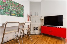 For rent: furnished apartment w/ fold-out couch in living room comfortably sleeps 4 in Montmartre Paris 18th