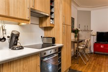 Turn-key 2-room apartment near Montmartre, Paris 18th, available for business stays by the week or month