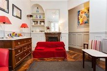 Short-term 2-person studio apartment rental, modern, furnished, Paris 15th, near rue de Commerce