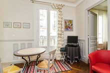 Modern, furnished vacation rental for short-term stays, sleeps 2 to 3 at Motte Picquet Grenelle, Paris 15th