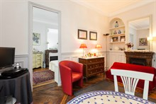 Comfortable holiday rental in furnished studio apartment, short-term rental, Motte Picquet Grenelle, Paris 15th