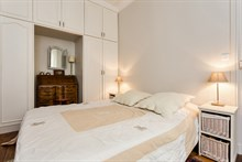 Holiday rental for 2, rent by month or week at Motte Picquet Grenelle, Paris 15th, fully furnished and modern