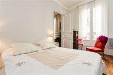 Well-lit, fully furnished short-term lodging for 2 to 3 guests at Motte Picquet Grenelle, Paris 15th