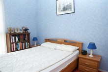 Romantic monthly vacation rental, turn-key w/ 2 modern bedrooms steps from Kremlin Bicetre near Paris