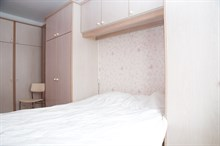 Romantic monthly vacation rental, turn-key 3-room w/ double bed and fold-out couch near La Villette, Paris 19th