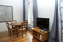Weekly rental of furnished 3-room Paris 15th near Eiffel Tower