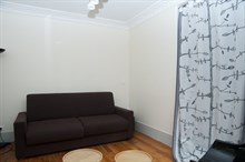 Short-term 3-room apartment rental sleeps 4 or 6, 3 large sleeping surfaces at Paris 15th