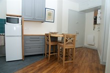 Turn-key 3-room apartment near Bir-Hakeim metro, Paris 15th, available for business stays by the week or month