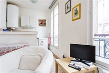Lodging for 2 to 4 guests for short-term rental in spacious Paris apartment