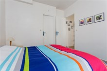 Short-term lodging for 4 in furnished 2-room flat, rent by week or month, Paris 10th