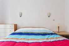 Furnished accommodation for 4 in spacious 2-room flat available for rent by week or month Paris 10th