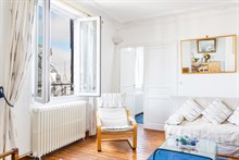Short-term rental of a furnished 2-room apartment for 4 by Montparnasse Tower, Paris 14th