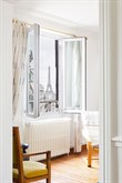 Weekly apartment rental, furnished with 2 rooms, perfect for four near Montparnasse Tower, Paris 14th