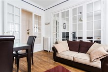 Monthly accommodation for 2 to 3 guests in spacious 2 room apartment in Neuilly