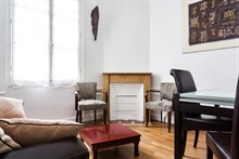 Extended holiday rental for 3 with 2 bedrooms, furnished Neuilly flat near Paris
