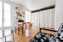 Large studio apartment for 2 in Paris