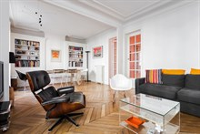 holiday apartments in paris