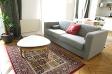 4-person first floor short-term rental property on rue de l'Abbé Groult Paris XV