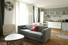 Accommodation for monthly rent w/ 2 rooms, wifi near best shopping, Commerce Paris XV