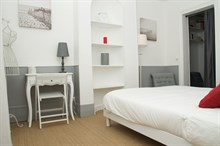 Rental property in heart of Paris with 2 rooms for 4 guests, near metro, close to shopping on rue du Commerce Paris XV