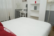 Vacation apartment rental for monthly stays in modern, remodeled apartment near Motte Picquet, Paris 15th