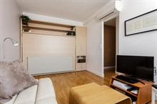 Accommodation for monthly rent w/ 2 rooms, wifi near best shopping, Saint Paul Paris 3rd