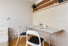 Vacation rental, fully furnished flat within walking distance of Paris attractions, Marais Paris 3rd