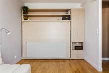 Holiday rental, furnished apartment within walking distance of Paris attractions, Marais Paris 3rd