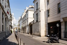Turn-key flat near museums, rent by month or year, extra privacy near Marais Paris 3rd