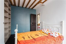 Plenty of guest privacy in 2-bedroom monthly accommodation near Canal Saint Martin, Paris 11th