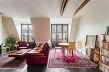 Apartment rental for monthly business stays with easy access to public transportation, Bastille Paris 11th
