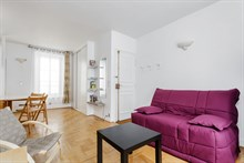 Distinctive 1-bedroom flat for 2 or 4 guests near Montparnasse metro Paris 15th, short-term