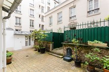 Authentic Parisian 1-bedroom apartment for business stays in Paris 15th near Montparnasse, monthly or weekly stays
