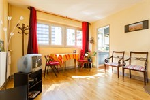 Spacious 1-bedroom, 1-bathroom apartment near Montparnasse in Paris 15th, short-term stays