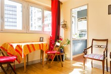 Authentic Parisian 1-bedroom apartment for business stays in Paris 15th near Montparnasse, monthly stays