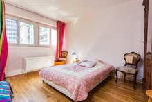 Live like a Parisian in 2-room apartment with kitchen, bathroom and wifi. Fully furnished for long-term rentals or monthly getaways in Paris 15th near Montparnasse Tower