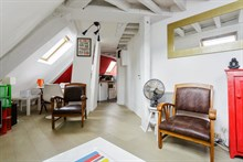 For rent: furnished 2-room apartment w/ double bed and near Notre Dame de Lorette, Paris 9th