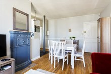 Furnished short-term apartment rental for language stays in Paris 15th, 1-bedroom and kitchen, near Eiffel Tower