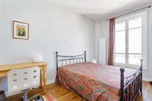 Holiday rental in Paris 15th arrondissement, long-term stays in 2-room turn-key flat with plenty of privacy in calm area