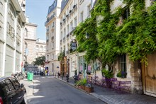 Vacation apartment rental for business stays, near Marais district, Paris 4th