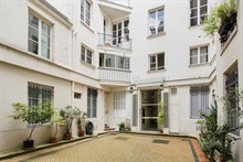 Authentic Parisian studio apartment for business stays in Paris 6th near Luxembourg Gardens, monthly stays