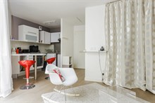 Spacious studio for monthly stays with terrace, Paris 13th between Bercy & Tolbiac