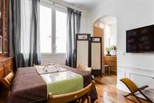 Authentic Parisian 1-bedroom apartment for business stays in Paris 16th in Village d'Auteuil, monthly stays