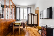 Furnished Ground-floor flat with 1 bedroom on Avenue de Versailles for short-term rentals in Paris 16th