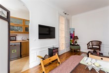 Vacation rental in Paris 16th arrondissement, long-term stays in 2-room turn-key apartment with plenty of privacy in calm area