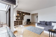 Short-term Holiday rental for friends or family with 2 rooms, Nation, Paris 12th