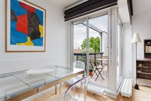 Flat rental for monthly business stays with a terrace and easy access to public transportation, Nation Paris 12th